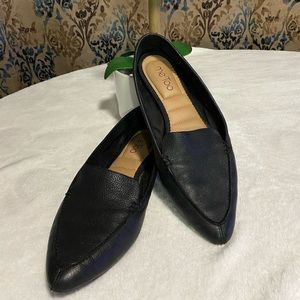 Me Too/Audra Black Leather Pointed Toe Loafers